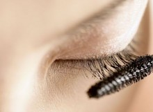 The Many Benefits Of Clear Mascara