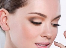How to Apply Mascara Without Clumping