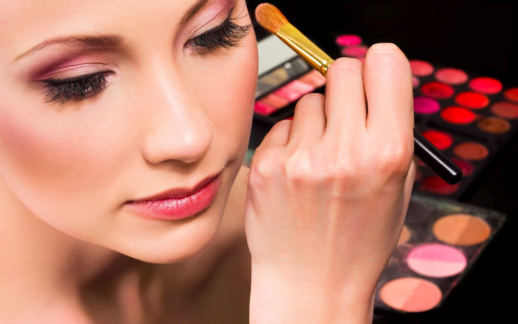 Cosmetics Business - Start a Prestigious High and Profit Business
