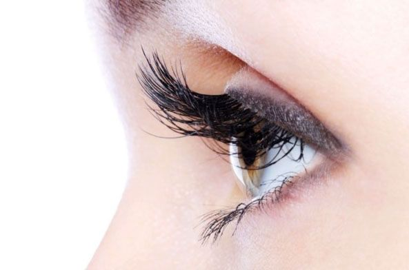 Plump Up Your Eyelashes