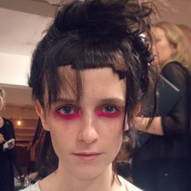 fashion-week-makeup-ss16-marques-almeida-terry-barber-neon-goth (Copy)