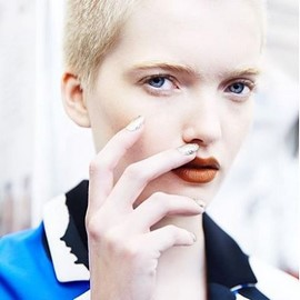 fashion-week-makeup-ss16-mustard-brown-lipstick (Copy)