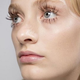 fashion-week-ss16-makeup-tom-pecheux-marni-twiggy-false-lashes (Copy)