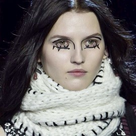 fashion-week-makeup-altuzarra-tom-pecheux (Copy)