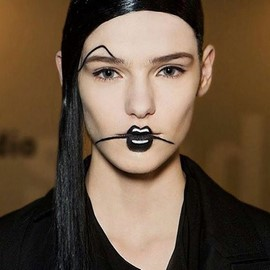 fashion-week-makeup-pat-mcgrath-yohji-yamamoto (Copy)